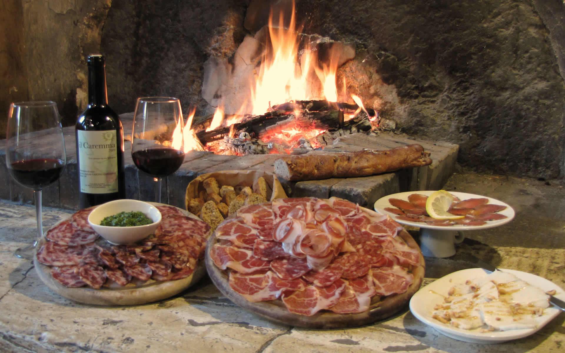 Foto Di Un Camino Acceso quando la famiglia accendeva il fuoco « pane & focolare